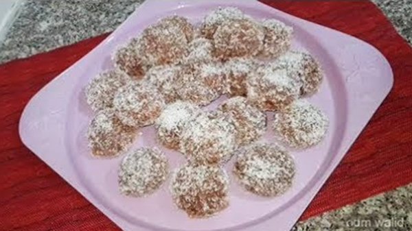 حلوى جافة بالكاكاو وجوز الهند أم وليد