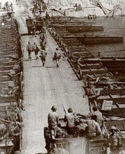 القوات المصرية تعبر للضفة الشرقية لقناة السويس.