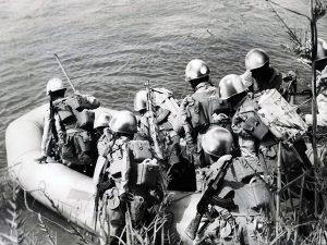 الجيش المصري يعبر القناة