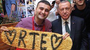 الرئيس التركي في مطعم الشيف بوراك
