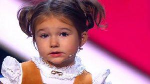 طفلة روسية تتكلم سبع لغات