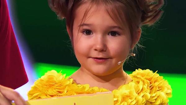 طفلة معجزة 5 سنوات